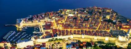 Panorama- flyg- sikt av Dubrovnik den gamla staden royaltyfri fotografi