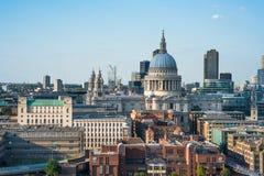 Panorama- flyg- sikt av staden av London Arkivbild