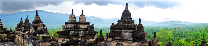 Panorama från den Borobudur templet i centrala Java i Indonesien Arkivfoton