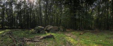 Panorama från en gammal stengravdolmen Arkivbild