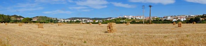 Panorama från haybales i Alentejo Portugal Royaltyfri Bild