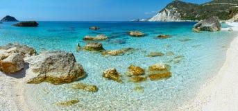 Panorama för Petani strand (Kefalonia, Grekland) Arkivbild