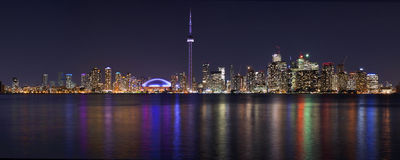 Panorama för Toronto härlig nattcityscape Fotografering för Bildbyråer