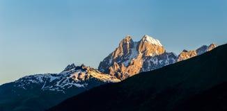 Panorama góra na słonecznym dniu Zdjęcia Royalty Free