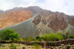 Panorama góry wokoło Gilgit rzeki, Pakistan Zdjęcie Stock
