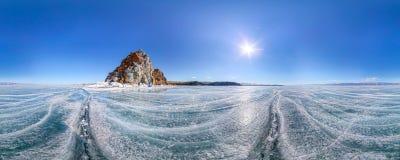 Panorama 360 graadmedicijnman Rock of Kaap Burhan op Olkhon-Eiland Stock Foto