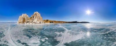 Panorama 360 grad medicinman Rock eller udde Burhan på den Olkhon ön arkivfoto