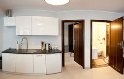 Cocina y cuarto de baño Imagenes de archivo