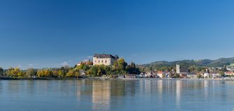 Panorama Grein - Upper Austria de Danúbio Imagem de Stock Royalty Free