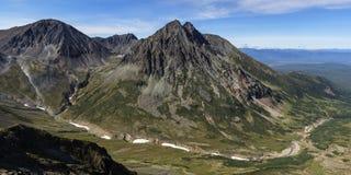 Panorama: härligt höstligt berglandskap Fotografering för Bildbyråer