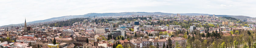Panorama- hög sikt av den Cluj Napoca staden Fotografering för Bildbyråer