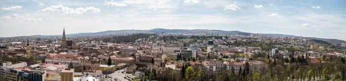 Panorama- hög sikt av den Cluj Napoca staden Royaltyfria Bilder