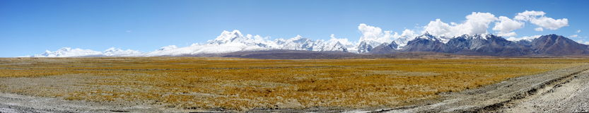Panorama halny shishapangma zdjęcia royalty free