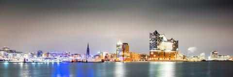 Panorama Hamburg przy noc? zdjęcia royalty free