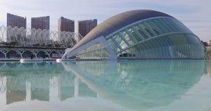 Panorama hemesferic 4k España de la luz del día del planetario de Valencia metrajes