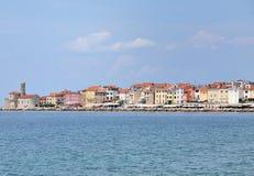 Panorama hermoso de la ciudad de Europa Eslovenia Piran Imagen de archivo