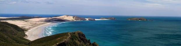 Panorama hermoso de la playa fotos de archivo