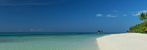 Panorama hermoso de la playa Imágenes de archivo libres de regalías