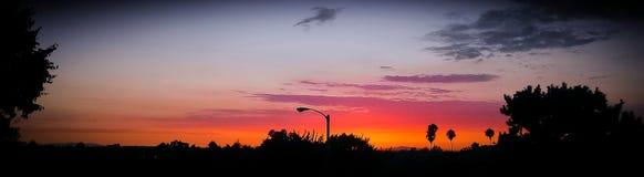 Panorama hermoso de la puesta del sol en la playa de Newport fotografía de archivo
