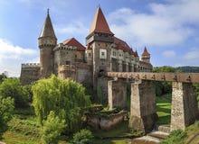 Panorama hermoso del castillo Transilvania, Rumania de Corvin fotos de archivo libres de regalías
