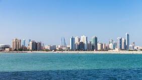 Panorama- horisont av den Manama staden, Bahrain Arkivfoto