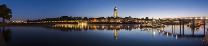 Panorama i Deventer på IJsselen Arkivfoto