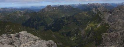 Panorama i fjällängarna arkivfoton