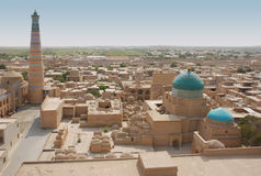 Panorama Ichan-Kala e Islã-Hodge do minarete Imagens de Stock