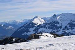 Panorama imponente sobre las montañas suizas Fotografía de archivo libre de regalías