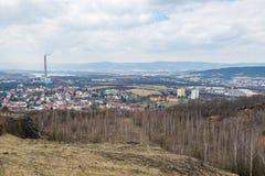 Panorama industrial de la ciudad de Trmice Usti nad Labem fotografía de archivo