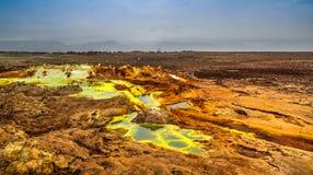 Panorama inom Dallol den vulkaniska krater i den Danakil fördjupningen, Etiopien Arkivfoton