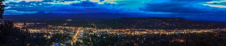Panorama, jak widzieć od chyłu od Pilotowego Butte sąsiedztwa parka, Oregon zdjęcie stock