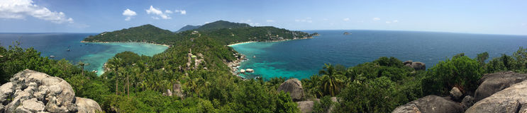 Panorama: John Suwan högst synvinkel på Koh tao Arkivfoton