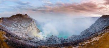 Panorama Kawah Ijen vulkanischer See, Java Island u. x28; Indonesia& x29; lizenzfreie stockfotografie