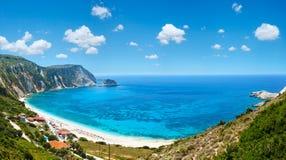 Panorama Kefalonia, Grekland för Petani strandsommar Royaltyfri Fotografi