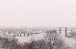 Panorama Kijów na chmurnym zima dniu obraz stock