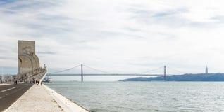 Panorama konkurrieren vom Monument zu den Entdeckungen Lissabon Portugal Lizenzfreie Stockbilder