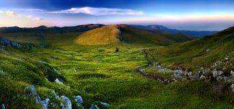 panorama krajobrazowy halny zmierzch Zdjęcia Royalty Free