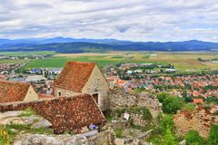 Panorama la Transylvanie Roumanie de forteresse de Rasnov image stock