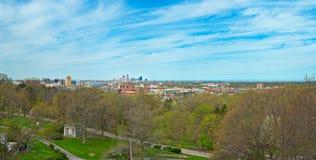 Panorama Lakeview de Cleveland de printemps Photographie stock libre de droits