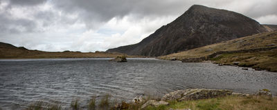 Panorama landscape mountain and lake on stormy day Royalty Free Stock Photos