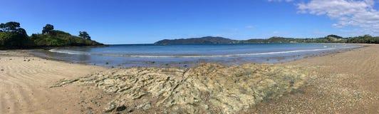 Panorama- landskapsikt av tunnbindarestranden Nya Zeeland Fotografering för Bildbyråer