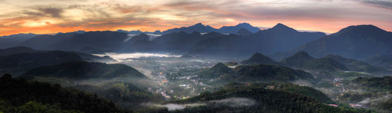 panorama- lantligt landskap fotografering för bildbyråer