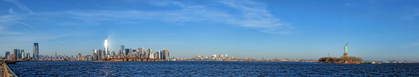 Panorama large de paysage urbain d'horizon de New York City Photo stock