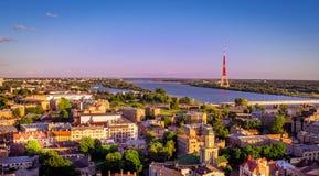 Panorama letton de ville de l'Europe Photos stock