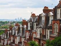 Panorama Londyn od Muswell wzgórza z ceglanymi domami, Londyn, UK Zdjęcie Stock