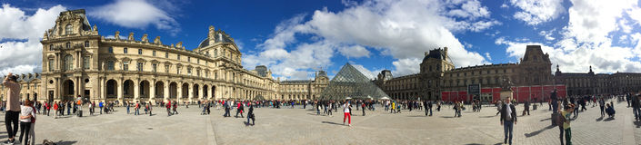 Panorama Louvre w Paryż Zdjęcie Royalty Free