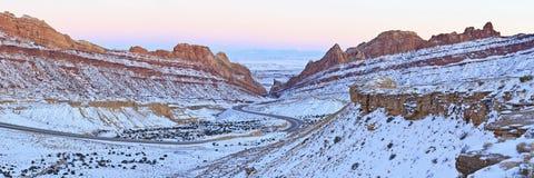 Panorama macchiato di inverno del canyon del lupo Fotografia Stock