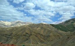 Panorama majestueux des montagnes d'atlas au Maroc image libre de droits