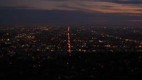 Panorama majestuoso de Los Ángeles céntrico en la puesta del sol almacen de metraje de vídeo
